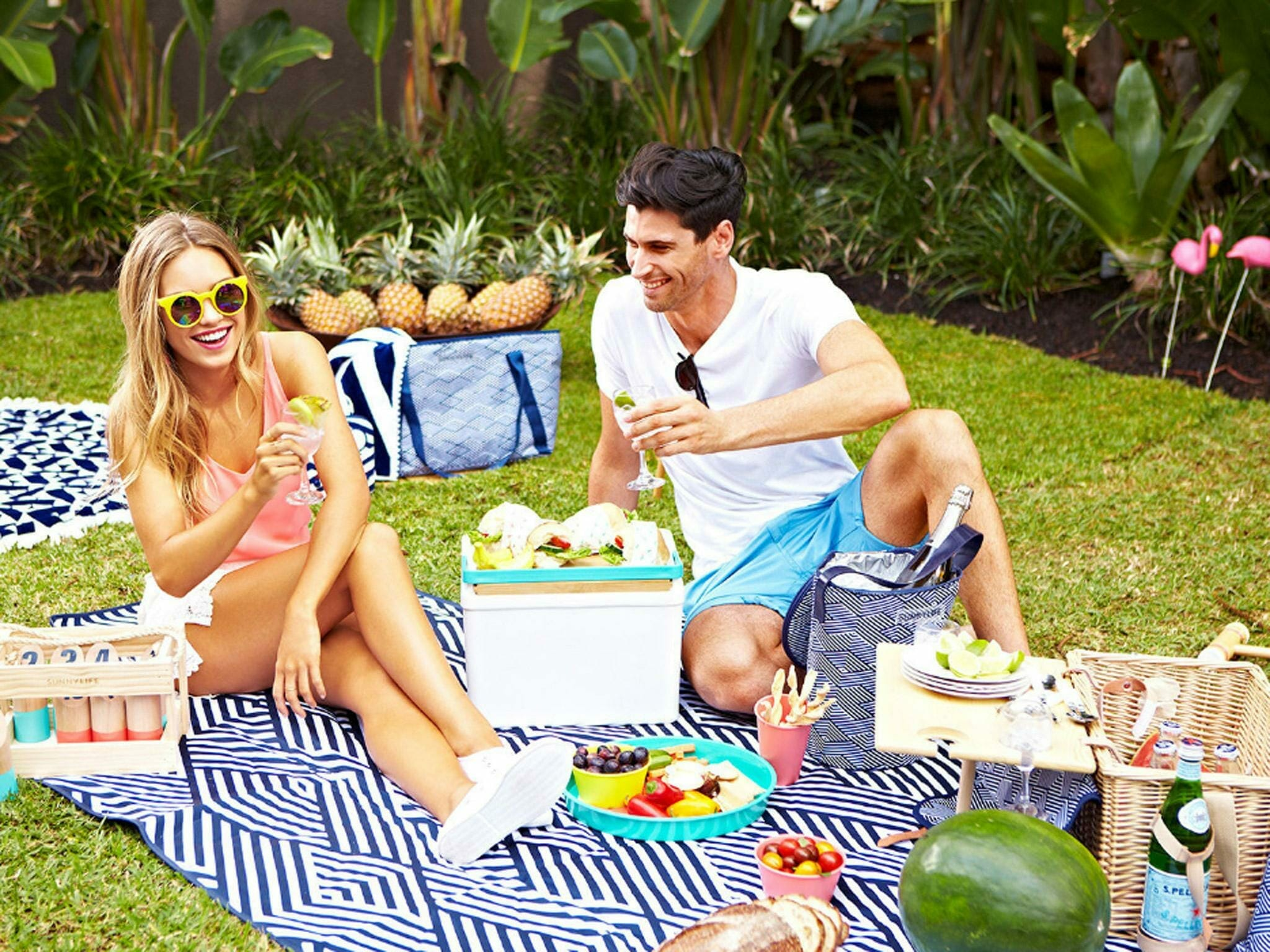 cheap-date-ideas-picnic