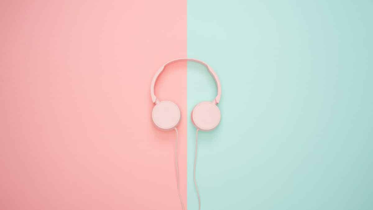 21 Of The Best Educational Podcasts To Listen To Every Week